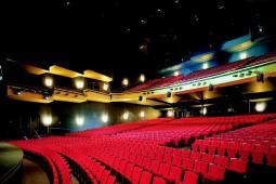 musical_theater_basel_geschnitten